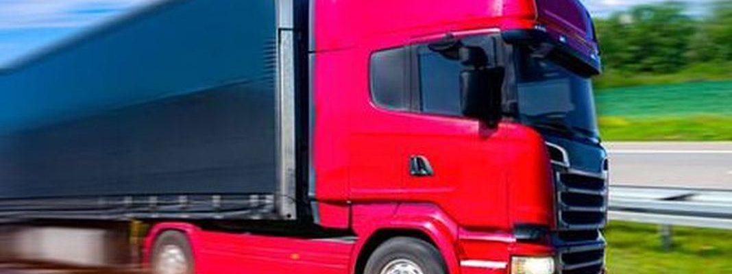 Transport drobnicowy vs transport całopojazdowy